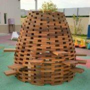 moon-kids-outdoor-furniture-timber-beehive-climber-7