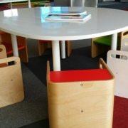 moon-kids-furniture-table-egg-shaped-white (1)