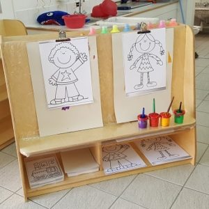 moon kids furniture paint easel3