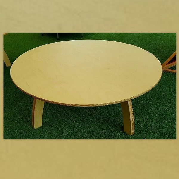 moon-kids-furniture-round-table-with-wooden-legs