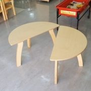 moon-kids-furniture-semi-circle-table2