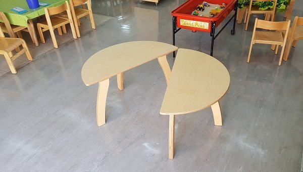 moon kids furniture semi circle table2