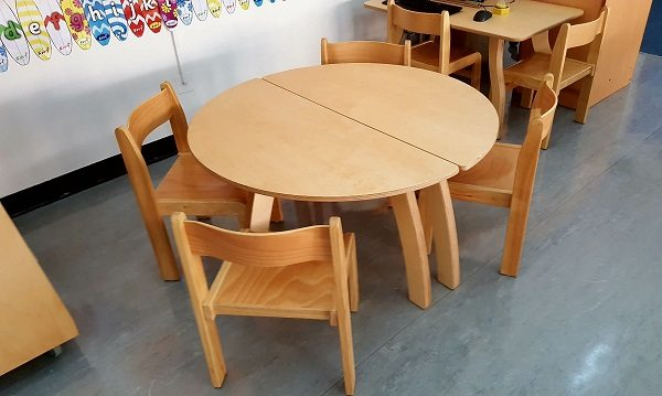 moon kids furniture semi circle table3
