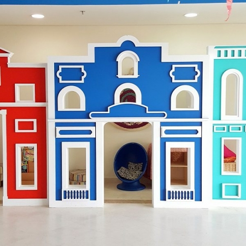moon kids playhouse european bank play house