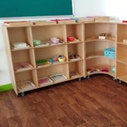moon-kids-furniture-straight-shelving-unit-with-wheels-2