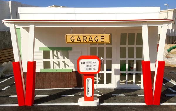 Garage Playhouse in the Garden by Moon Kids