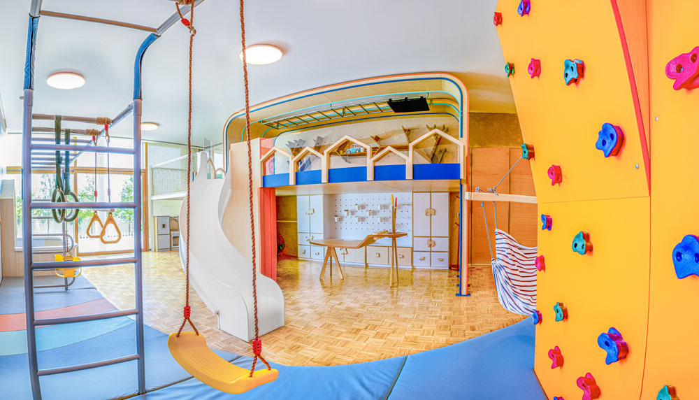 Moon Kids - FIT OUT Project