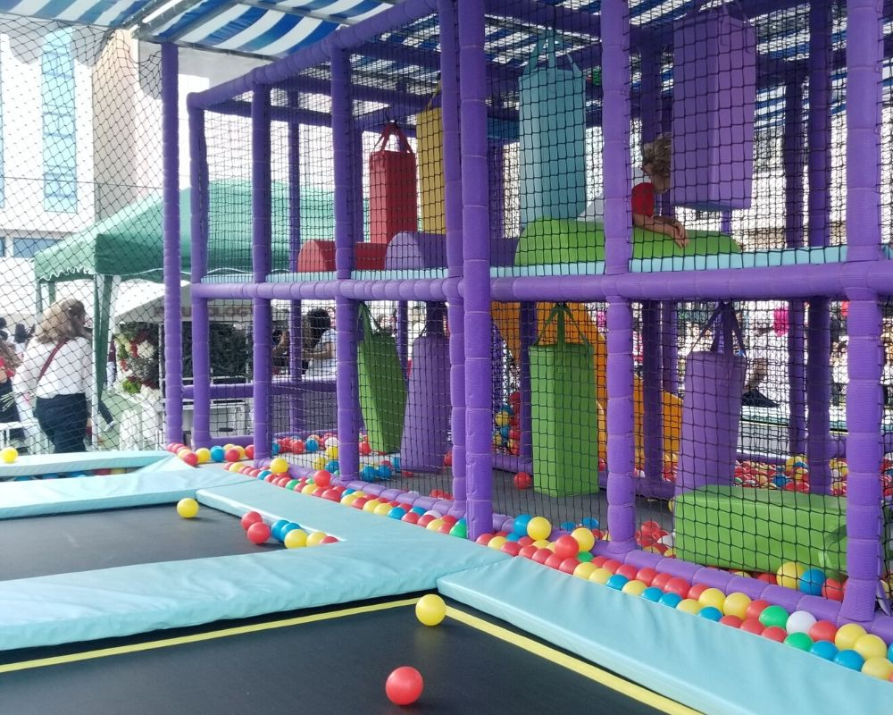 Mobile Fun Factory Rental by Moon Kids